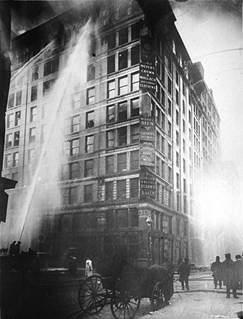 纽约纺织厂火灾百年祭:大火烧旺劳工权益
